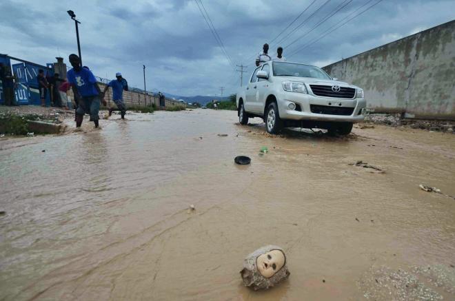 flood1 by Giles Ashford