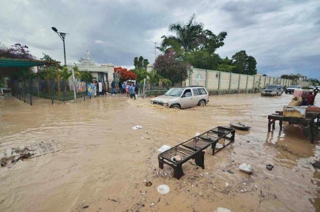 flood3 by Giles Ashford