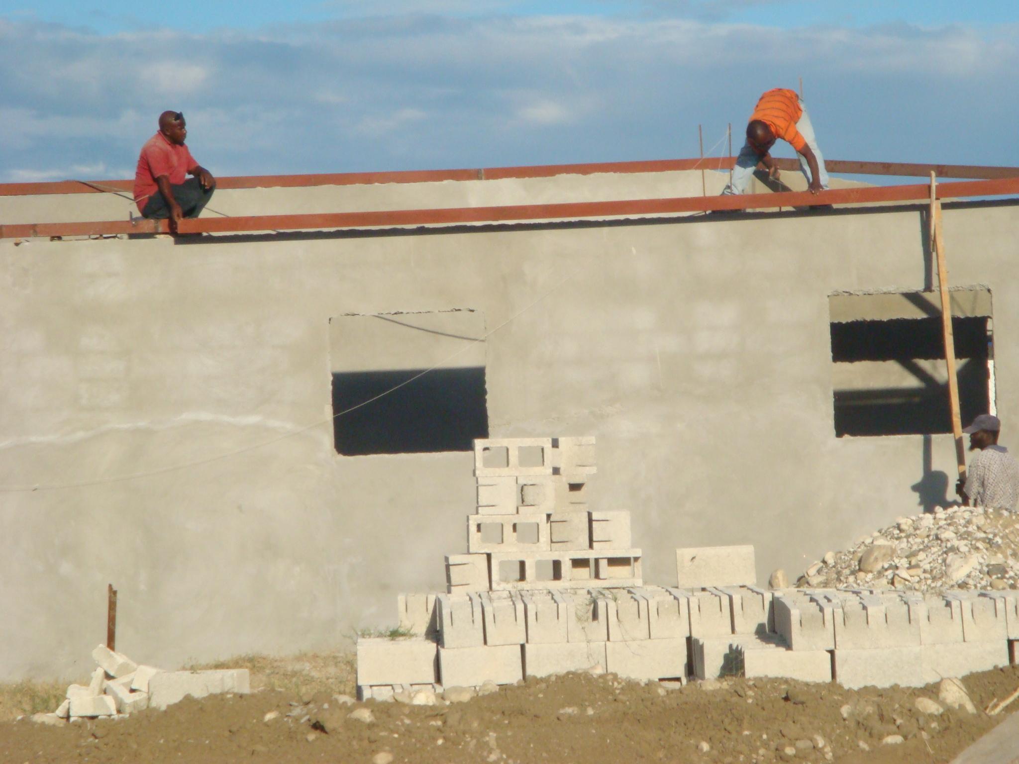 Haiti il lavoro continua completate 4 nuove casette for Finanziamento della costruzione di nuove case